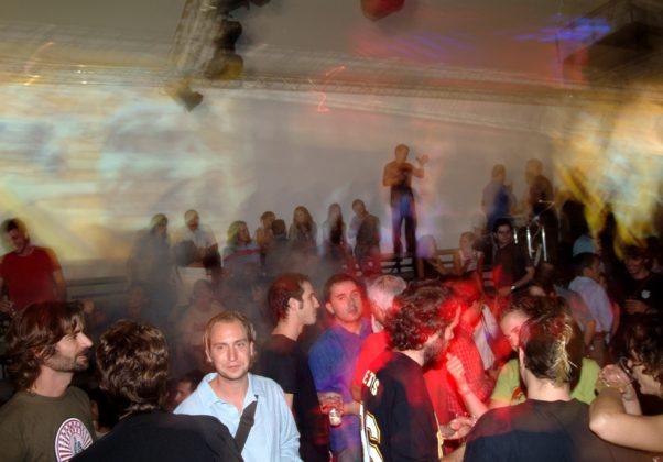 fiestanudeferia2003